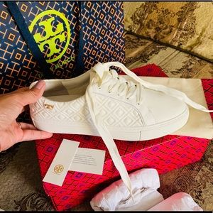 Tory Burch Marion quilted Lace-up Sneakers !